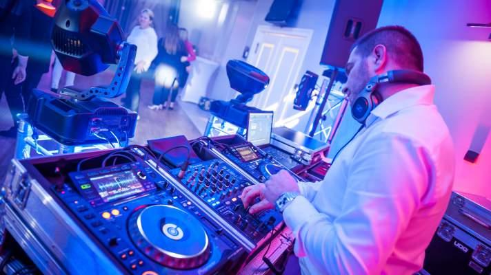 Thomas-Music profesjonalny dj na impreze firmowa, wodzirej na impreze firmowa, dj olesnica, wodzirej olesnica, impreza firmowa