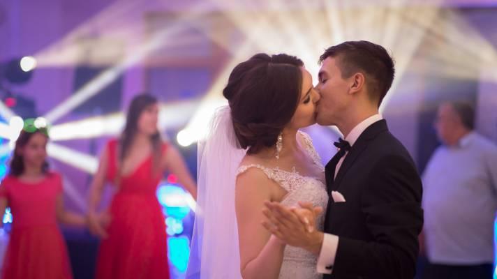 dj, wodzirej, dj olesnica, wodzirej olesnica, Thomas-Music to dj na wesele, dobry wodzirej na wesele, wodzirej na wesele olesnica, dj na wesele. Najlepsza oprawa muzyczna na wesele